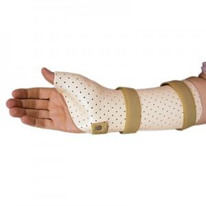 Orthèse du poignet en plastique moulé incluant le pouce